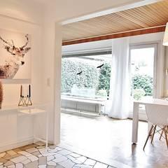 Flur:  Flur & Diele von Nicole Schütz Home Staging