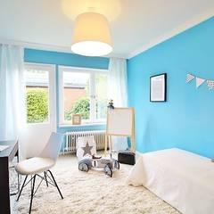 Kinderzimmer: skandinavische Kinderzimmer von Nicole Schütz Home Staging