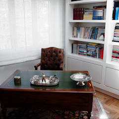 classic Study/office by studioQ