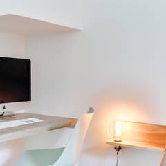 Aurélie&Thomas: Bureau de style de style Scandinave par Doudet Marie