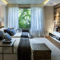 VARANDA GOURMET : Salas multimídia  por silvana albuquerque arquitetura e design