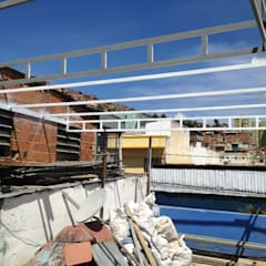 SOBRE TECHO QUINTA: Terrazas de estilo  por construrem c.j.111 c.a, Rústico