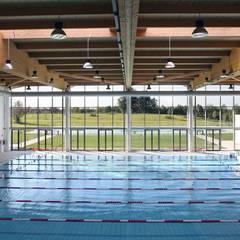 Le Gocce Franciacorta Sport Village: Stadi in stile  di Cotefa.ingegneri&architetti