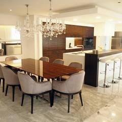 Moradia em Barcelos: Salas de jantar  por NOZ-MOSCADA INTERIORES