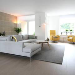 Compleet interieurontwerp met begeleiding en styling:  Woonkamer door JO&CO interieur