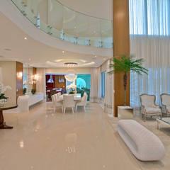 Casa Indaiatuba: Salas de jantar modernas por Designer de Interiores e Paisagista Iara Kílaris