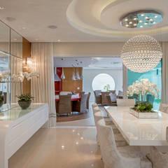 Casa Indaiatuba: Salas de jantar  por Designer de Interiores e Paisagista Iara Kílaris,Moderno