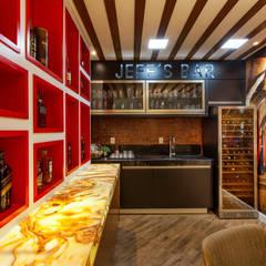 Casa Indaiatuba: Adegas modernas por Designer de Interiores e Paisagista Iara Kílaris