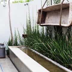 espejo de agua : Jardines de estilo  por gpinteriorismo