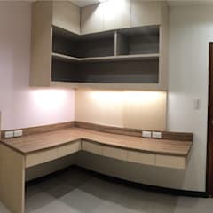 女兒房書桌:  嬰兒房/兒童房 by 宗霖建築設計工程