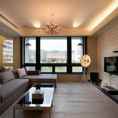 غرفة المعيشة تنفيذ 八軒室內裝修工程有限公司,