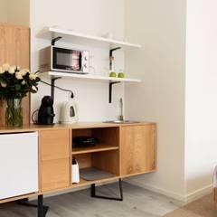 Estúdio : Hotéis  por Alma Braguesa Furniture