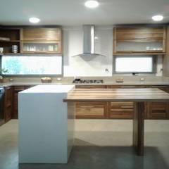 Viviendas Loteo Las Lavandas: Cocinas de estilo  por Azcona Vega Arquitectos