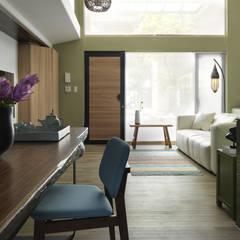 Pasillos y vestíbulos de estilo  por 賀澤室內設計 HOZO_interior_design