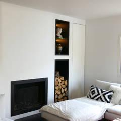 Maison M.F: Salon de style de style Moderne par Ophélie Dohy architecte d'intérieur