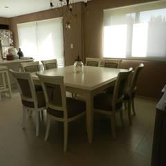 Casa en bario cerrado- Diseño de muebles personalizado: Cocinas de estilo ecléctico por Sepia reciclados