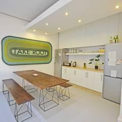Greenpop volunteer accommodation 2015:  Dining room by Till Manecke:Architect