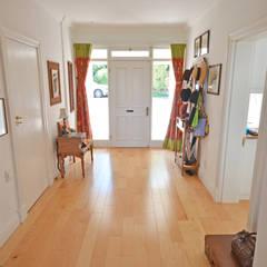 entrance:  Corridor & hallway by Till Manecke:Architect