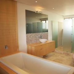 Random residential project photos:  Bathroom by Till Manecke:Architect,