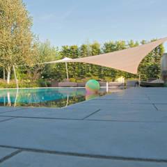 overloopzwembad : landelijke Tuin door Tuintechnisch Bureau Smeulders