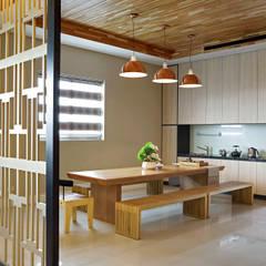 Dining room by 信美室內裝修
