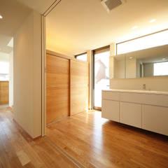 haus-bank: 一級建築士事務所hausが手掛けた浴室です。