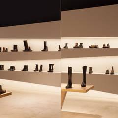 Bikini Berlin- Schuhladen :  Ladenflächen von  büro für interior design