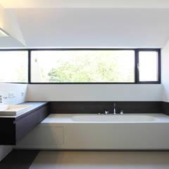 힐링 욕실공간: 담음건축디자인주식회사의  욕실