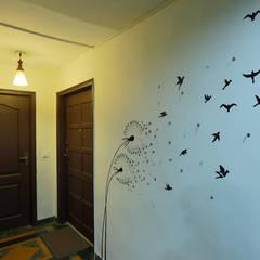 APARTMENT:  Corridor & hallway by DESIGN5