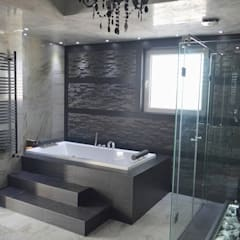 APARTMENT VD SOFIA:  Bathroom by eNArch.info,
