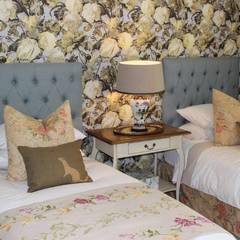Guest Bedroom - Everton:  Bedroom by Taryn Flanagan Interiors, Country