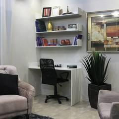 Oficinas de estilo  por Amanda Matarazzo Interiores,