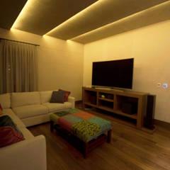 Diseño de Home theater: Salas multimedia de estilo  por Toyka Arquitectura