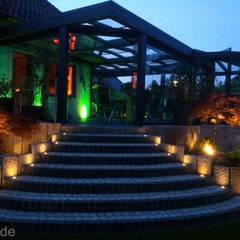 Gartenumgestaltung mit Whirlpool und Outdoorküche:  Terrasse von Bodin Pflanzliche Raumgestaltung GmbH