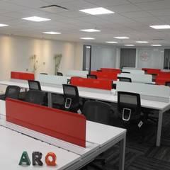 OFICINA ABIERTA: Edificios de oficinas de estilo  por IngeniARQ