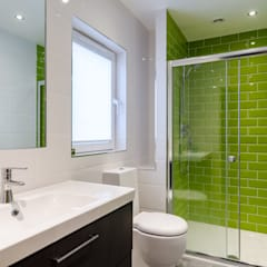: modern Bathroom by Jonathan Hagen Photography