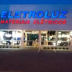 Office buildings by Ventorini Instalações e Manutenções elétricas,