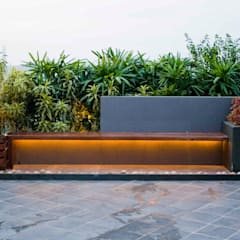 Seat and planter area: modern Garden by Land Design landscape architects