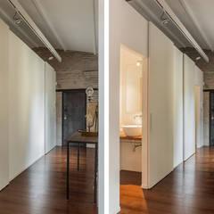 Casa stile industriale: Soggiorno in stile  di Angelo Talia
