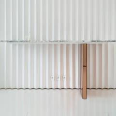 Renovation d'un appartement de 36 m²: Bureau de style  par UBALT SAS