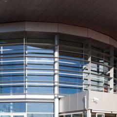 Verola Ceenter: Centri commerciali in stile  di Cotefa.ingegneri&architetti