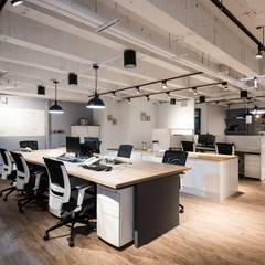 科技辦公室:  辦公大樓 by 森參設計