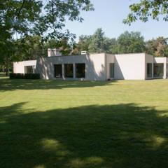 Verbouwing Woonhuis te Veghel:  Bungalow door Wessel van Geffen Architecten