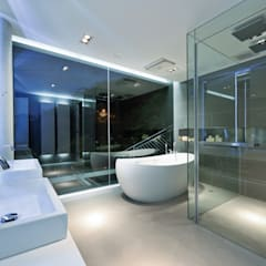 House in Shatin :  Bathroom by Millimeter Interior Design Limited