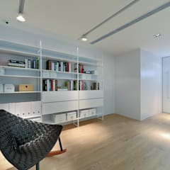 House in Shatin :  Study/office by Millimeter Interior Design Limited