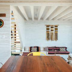 comedor-cocina y living: Comedores de estilo  por Thomas Löwenstein arquitecto