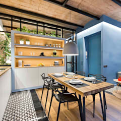 Mediterranean style dining room by Egue y Seta Mediterranean