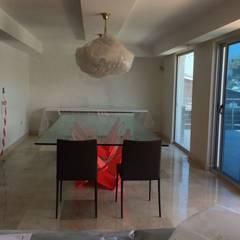 Apartamento Lomas de San Roman : Comedores de estilo  por THE muebles