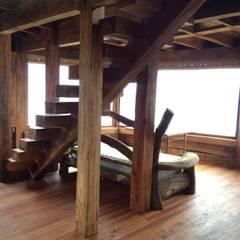 CASA INFIERNILLO: Livings de estilo  por BLAC arquitectos, Rústico Madera Acabado en madera