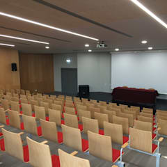 Colégio João Paulo II: Salas multimédia  por Alberto Lobo Gonçalves, arquitecto